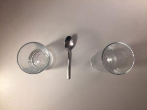 Kristina Kral #145 zwei Gläser, ein Teelöffel