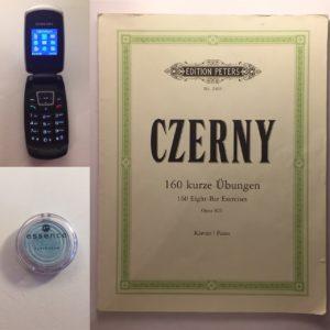 Kristina Kral #223 Czerny Kurzübungen, Samsungs Handy SGH-C270, hellblauer Lidschatten