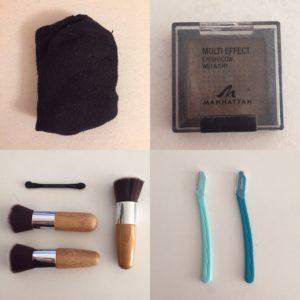 Das Bild zeigt neun Gegenstände, die ich aus meinem Besitz entfernt habe: Ein Paar Socken, ein Lidschatten, vier Kosmetikpinsel und zwei Augenbrauenformer   Kristina Kral, Minimalismus