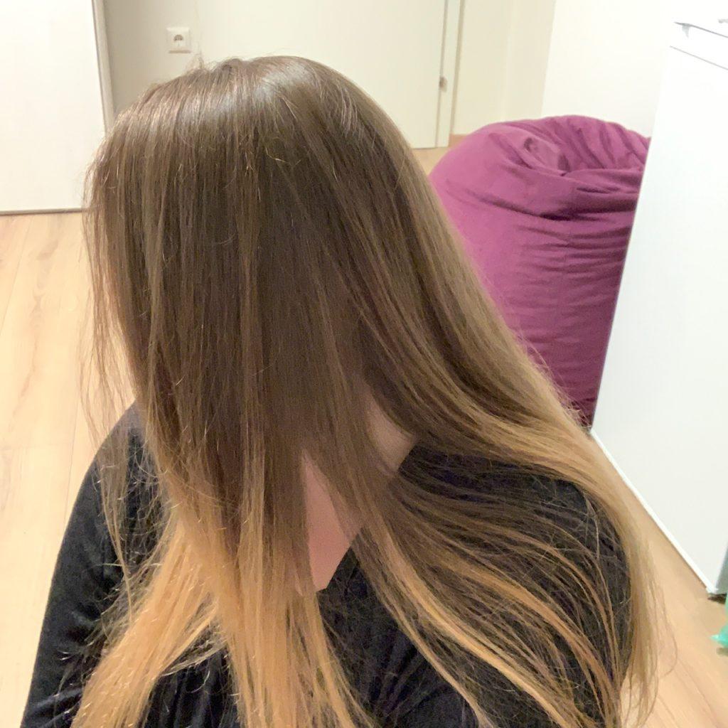Das Bild zeigt mein langes Haar vor der Spende - Kristina Kral