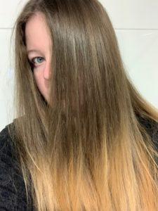 Das Bild zeigt mich langen Haaren, bevor ich sie gespendet habe - Kristina Kral