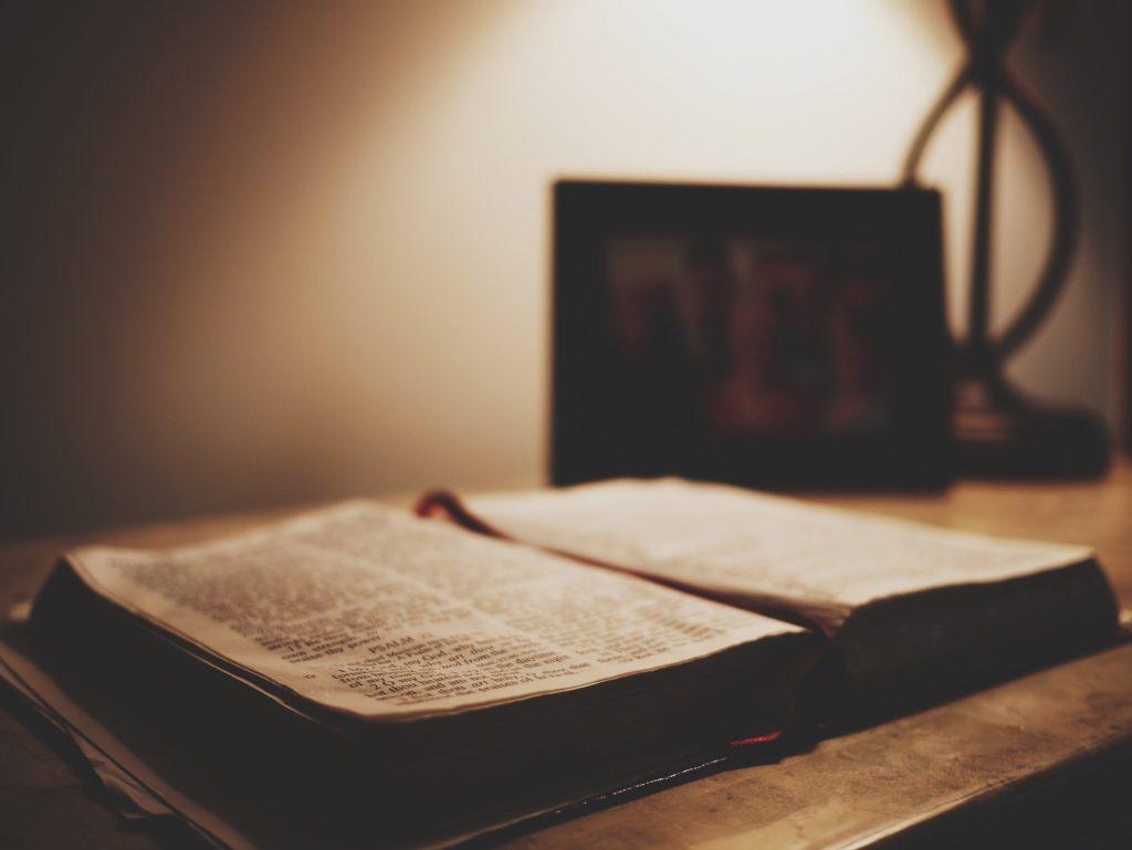Symbolbild: Gebetbuch