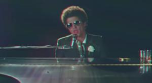 Bildschirmfoto von Musikvideo (c) Bruno Mars, WMG